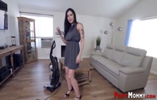 Stepmother milf gets pussy banged